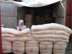cotton-for-quilts-Osh-bazaar-Bishkek-Kyrgyzstan_web